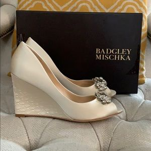 Badgley Mischka wedge